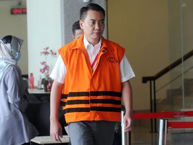 Anggota Komisi I DPR dari Fraksi Golkar, Fayakhun Andriadi usai menjalani pemeriksaan oleh penyidik di gedung KPK, Jakarta, Kamis (21/6). Fayakhun diperiksa sebagai tersangka kasus Bakamla anggaran tahun 2016 APBN-P. (Merdeka.com/Dwi Narwoko)