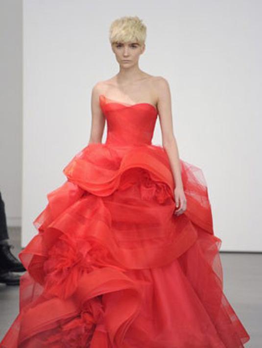 Tren Gaun Pengantin Dari Renda Hingga Bahan Tenun Fashion Fimela Com