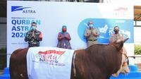 Astra Group melalui Yayasan Amaliah Astra (YAA) melaksanakan kegiatan penyerahan hewan kurban di 34 provinsi (dok: Maulandy)