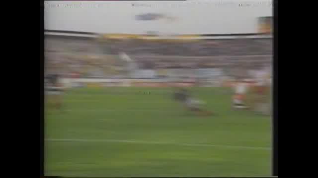 Kompilasi foto montase dari BBC mengenai momen klasik sepak bola di turnamen Piala Dunia 1986 di Meksiko.