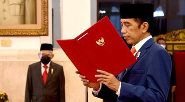 Presiden Jokowi melantik Kepala BRIN, Laksana Tri Handoko