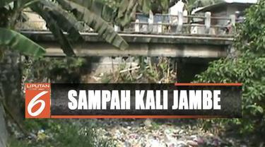 Warga juga mengeluhkan slogan Kabupaten Bekasi, yakni bersinar dan bersih yang dinilai tidak sesuai dengan kondisi di lapangan.