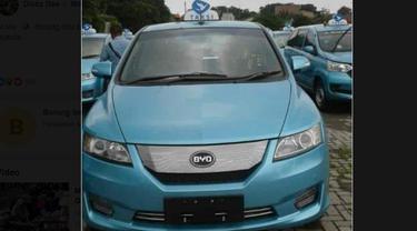 Taksi listrik milik Blue Bird