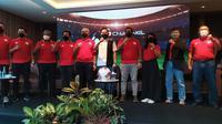 Asosiasi PSSI Provinsi (Asprov) Jawa Timur dalam konferensi pers Liga 3 di Double Tree, Surabaya, Sabtu (23/10/2021). (foto: Dian Kurniawan