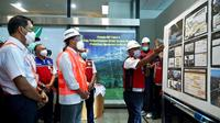 Menhub Budi Karya meniinjau proyek LRT di Dukuh Atas Jakarta. (Istimewa)