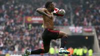 Video momen penting Premier League pekan ke-37, Gol Jermain Defoe berhasil menyelamatkan Sunderland dari jurang degradasi.