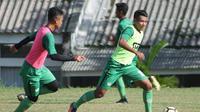 Semen Padang FC fokus mengasah penyelesaian akhir jelang laga penutup putaran pertama Liga 2 2018 kontra tuan rumah Cilegon United, Minggu (29/7/2018). (Bola.com/Arya Sikumbang)