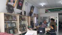 Studio Cuci Cetak Foto Simpati di kawasan Palmerah, Jakarta. (Liputan6.com/Henry)