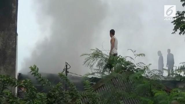 Seorang penghuni tewas akibat tak mampu meloloskan diri saat terjadi kebakaran rumah di Cipinang, Jakarta Timur.
