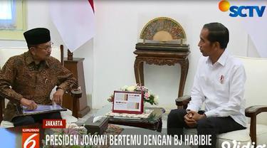 BJ Habibie menyatakan kehadirannya selain mengucapkan selamat kepada Presiden Joko Widodo, sekaligus juga menyepakati untuk menjaga persatuan dan kesatuan bangsa.