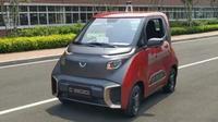 Mobil otonom Wuling E200 'berkeliaran' di pabrik SGMW di   Cikarang, Jawa Barat. (Oto.com)