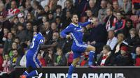 Eden Hazard rayakan gol ke gawang Southampton (Reuters / Toby Melville )
