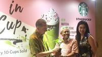 Penyerahan pohon kopi sebagai tanda dimulainya kampanye Art in A Cup 2019. (dok. Liputan6.com/Esther Novita Inochi)