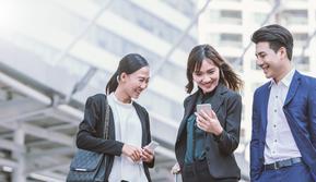Memasuki era digital dan perkembangan industri kreatif saat ini serta tuntutan untuk lebih produktif dapat bekerja dimana pun dan kapan pun membuat smartphone dengan memori besar mulai dibutuhkan.