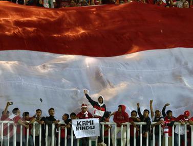 20161214-Suporter Timnas Indonesia Kembali Merahkan Stadion Pakansari-Bogor