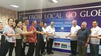 Menteri Perdagangan Enggartiasto Lukita menyaksikan Penandatanganan deklarasi e-commerce Marketplace Go Global oleh perusahaan e-commerce, marketplace, asosiasi, UKM/IKM, perusahaan logistik.