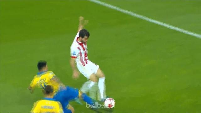 Olympiakos menang 4-0 atas Panetolikos diwarnai brace Karim Ansarifard. Tim tamu kurang beruntung karena gagal untuk menjaringkan ...