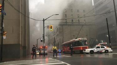 Kepulan asap di pusat kota Toronto, Kanada