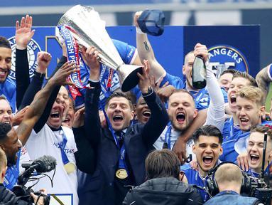 Steven Gerrard baru saja menorehkan catatan luar biasa bersama Glasgow Rangers. Pelatih asal Inggris itu sukses membawa timnya mengakhiri musim dengan status invincibles atau tak terkalahkan. (Andrew Milligan/PA via AP)