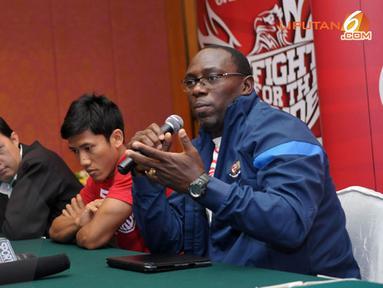 Saat konferensi pers di Jakarta pada 31 Oktober 2013 Pelatih Timnas Indonesia Jacksen F Tiago menegaskan laga lawan Kyrgyzstan adalah untuk membentuk karakter tim dan menjadikannya lebih kuat (Liputan6.com/Helmi Fithriansyah)