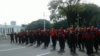 Ketua FSP LEM SPSI Puji S Poro (56) mengaku membawa sekitar 50.000 anggotanya dari Jakarta, Bogor, Depok, Tangerang, dan Bekasi.