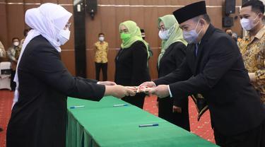 Menteri Ketenagakerjaan, Ida Fauziyah, melantik 11 pejabat Pimpinan Tinggi Madya di lingkungan Kementerian Ketenagakerjaan.