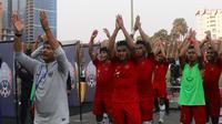 Para pemain Timnas Indonesia U-22 merayakan kemenangan atas Vietnam pada laga Piala AFF U-22 2019 di Olympic Stadium, Phnom Penh, Kamboja, Minggu (24/2/2019). Indonesia menang 1-0 atas Vietnam. (Bola.com/Zulfirdaus Harahap)