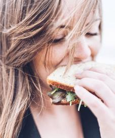 Ilustrasi diet. Sumber foto: unsplash.com/Gardie Design & Social Media Marketing.