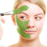 Ilustrasi masker wajah dengan bahan alami. (boldsky.com)