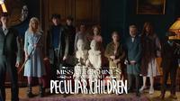 Bagi para penggemar sutradara Tim Burton, Miss Peregrine's Home for Peculiar Children adalah film wajib tonton.