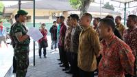 Sebanyak 22 relawan di Solo, Jawa Tengah siap mengikuti pelatihan Bela Negara di Rindam IV Diponegoro, Magelang. (Reza Kuncoro/Liputan6.com)