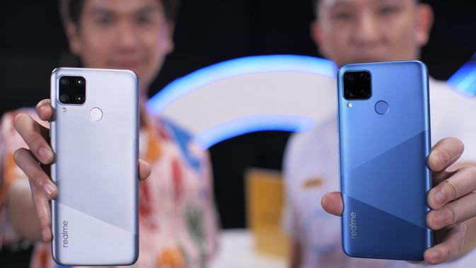 Realme C15 varian warna Seagull Silver dan Marine Blue (Foto: Realme Indonesia)
