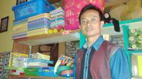 Sudah lebih dari 20 tahun Bang Jek berprofesi sebagai tukang parkir. Foto: http://victormarbun.blogspot.co.id/