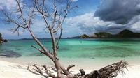 Pulau Rinca di kawasan Taman Nasional Komodo, Labuan Bajo, NTT. (dok.Instagram @travelsparksid/https://www.instagram.com/p/BqoxL8mgwNS/Henry