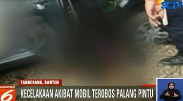 Minggu sore, 17 JUni 2018, sebuah mobil tertabrak kereta comuterline jurusan Jakarta-Tangerang di perlintasan Batu Ceper, Tangerang, Banten.