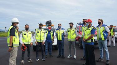Dorna Sports meninjau ke Bandara Lombok untuk mengecek kesiapan fasilitas bandara dalam menyambut gelaran MotoGP di Mandalika, Lombok, NTB, Rabu (7/4/2021). (Dok Angkasa Pura I)