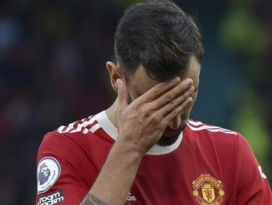 Manchester United benar-benar hancur lebur. Setan Merah dipermalukan seteru klasiknya, Liverpool, dengan skor 0-5 pada lanjutan Liga Inggris 2021/2022 di Stadion Old Trafford, Minggu (24/10/2021). (AP Photo/Rui Vieira)