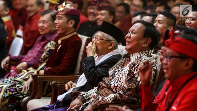 Tawa dan Hormat Prabowo Saat Hadiri Kongres PDIP