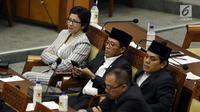 Anggota DPR Nurul Arifin (kiri) saat mengikuti Rapat Paripurna ke-2 di Kompleks Parlemen, Jakarta, Selasa (1/10/2019). Ini merupakan kali ketiga Nurul Arifin terpilih sebagai anggota DPR. (Liputan6.com/JohanTallo)