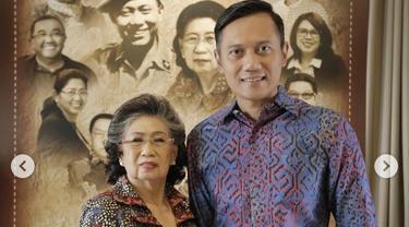 Ketua Umum Partai Demokrat Agus Harimurti Yudhoyono atau AHY bersama sang nenek Sunarti Sri Hadiyah.