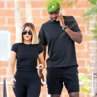 Khloe Kardashian dikabarkan kembali tinggal bersama dengan Tristan Thompson. (BACKGRID/USWeekly)