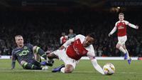 Arsenal harus puas bermain 0-0 kontra Sporting CP pada laga keempat Grup E Liga Europa, di Stadion Emirates, Kamis (8/11/2018). (AFP/Adrian Dennis)