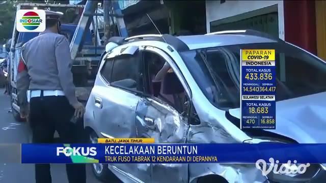 Sebanyak 12 kendaraan terlibat kecelakaan beruntun di Jalan Trunojoyo, Kelurahan Songgokerto, Kota Batu, pada Sabtu (7/11), akibat sebuah truk fuso yang melaju dari arah Kediri menuju Batu mengalami rem blong.