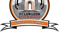 Sekelompok masyarakat melayu Kota Bengkulu bergabung membentuk komunitas untuk mempertahankan budaya berbahasa Bengkulu yang saat ini mulai ditinggalkan dalam Bencoolen Speaking Community (Liputan6.com/Yuliardi Hardjo)
