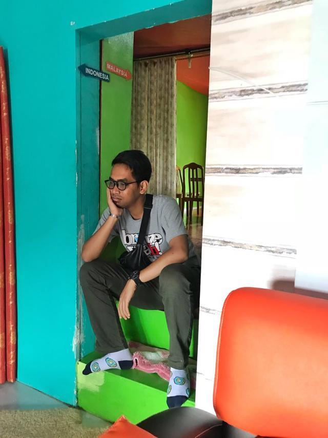 Berwisata Ke Perbatasan Pria Ini Bagikan Pengalaman Kejedot Di Rumah Dua Negara Citizen6 Liputan6 Com