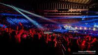 iKON, fans  yang antusias mendukung iKON (Facebook/YGEntertainment)