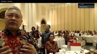 Acara penyerahan bantuan dana dari masyarakat Indonesia di Vietnam kepada asosiasi perawat di Sumsel.