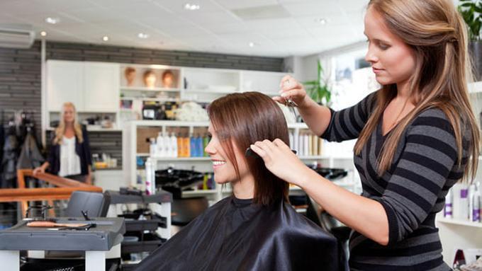 Tips Agar Tidak Salah Potong Rambut dan Menyesal - Beauty Fimela.com 282df7f2c0