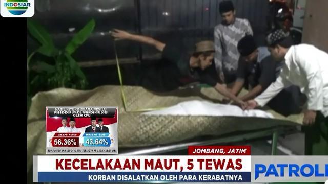 Kecelakaan maut terjadi di jalur Tol Trans Jawa di Nganjuk, Jawa Timur, tepatnya di kilometer 638.