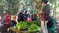 Pagi-pagi berbelanja di Pasar Seni Gorontalo. (Foto: Liputan6.com/Arfandi Ibrahim)